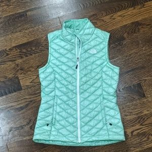 North Face Green Quilted Down Vest Size Small